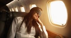 Bí quyết giữ nhan sắc xinh tươi sau chuyến bay dài