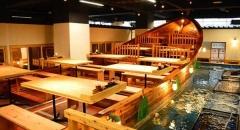 """Kinh ngạc ẩm thực Nhật Bản và món sushi """"tự câu"""""""